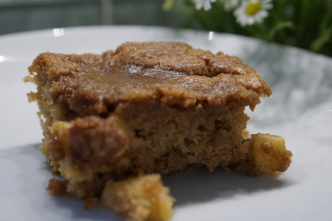Apple Cinnnamon Coffee Cake
